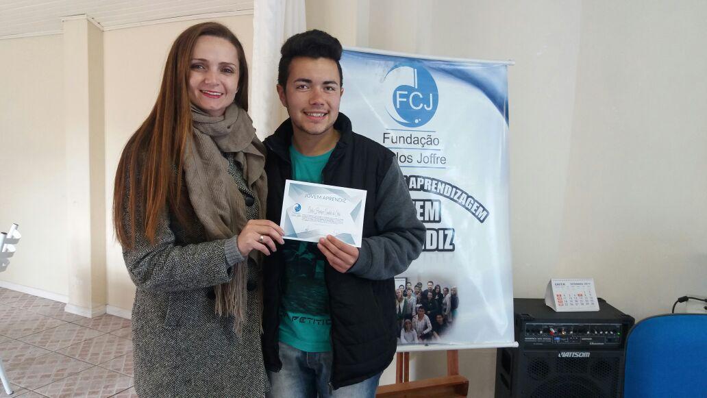 Entrega de Certificados dos Cursos do Programa de Aprendizagem da FCJ