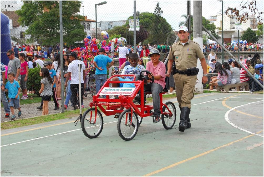 FCJ e Parceiros realizam Festa da Criança na Praça