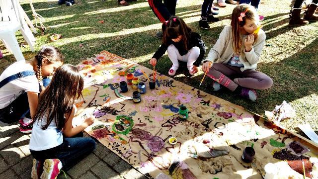 07/10/2017 - Criança na Praça distribuirá quatro mil kits de doces e picolés