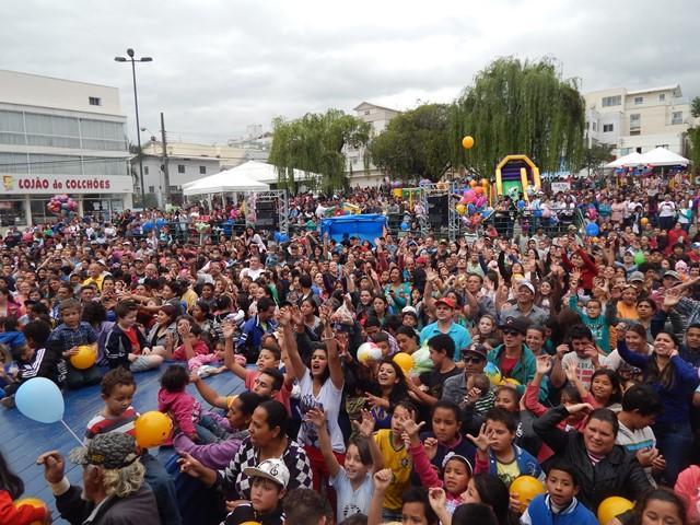 Festa Criança na Praça reúne milhares de pessoas em Lages